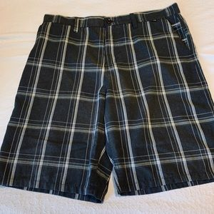 Hurley Black/Grey Plaid Shorts size 36